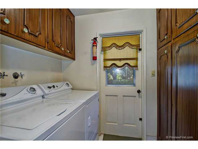 Photo 17: DEL CERRO House for sale : 3 bedrooms : 6301 N Glenmont Street in San Diego