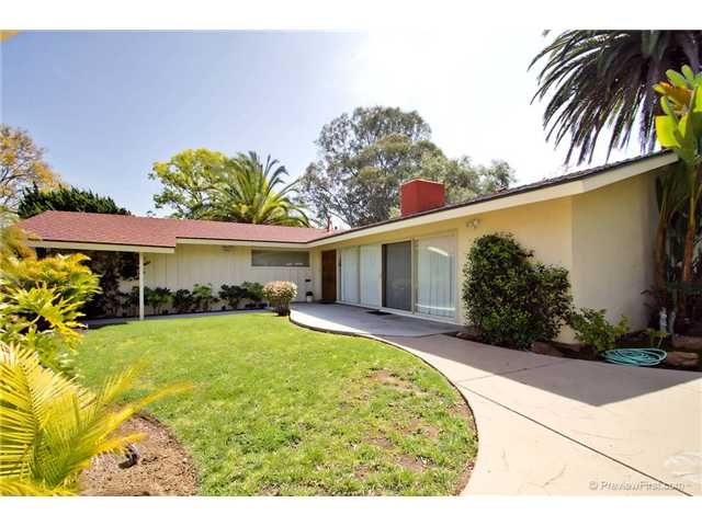 Photo 4: DEL CERRO House for sale : 3 bedrooms : 6301 N Glenmont Street in San Diego