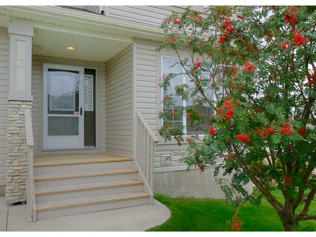Main Photo: 3 ROCKLEDGE Terrace NW in CALGARY: Rocky Ridge Ranch Residential Attached for sale (Calgary)  : MLS(r) # C3538734