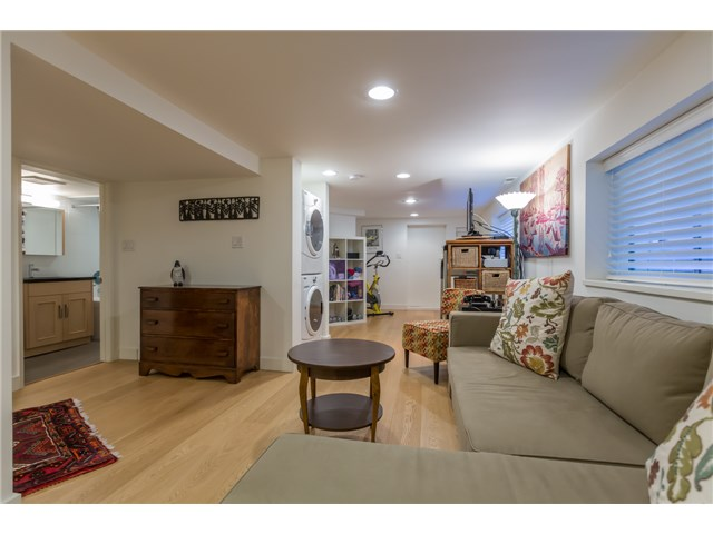 Photo 17: 2233 TRAFALGAR ST in Vancouver: Kitsilano House for sale (Vancouver West)  : MLS® # V1137194
