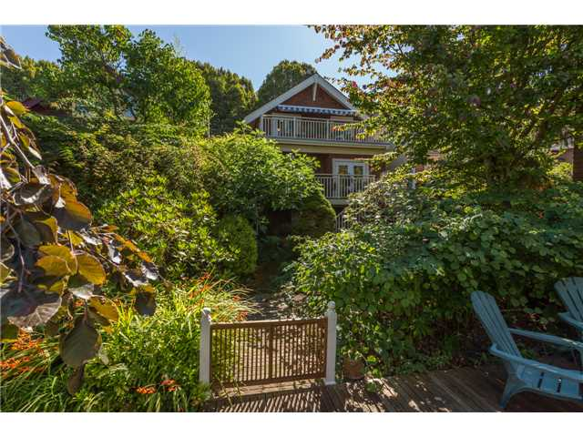Photo 20: 2233 TRAFALGAR ST in Vancouver: Kitsilano House for sale (Vancouver West)  : MLS® # V1137194