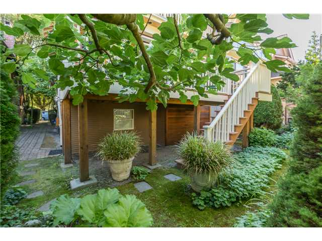 Photo 19: 2233 TRAFALGAR ST in Vancouver: Kitsilano House for sale (Vancouver West)  : MLS® # V1137194