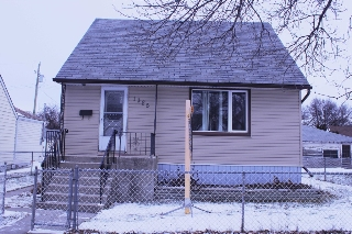 Main Photo: 1385 Manitoba Avenue in Winnipeg: North End Single Family Detached for sale (North West Winnipeg)  : MLS®# 1531782