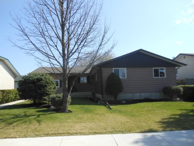 Main Photo: 435 Barker Boulevard in WINNIPEG: Charleswood Residential for sale (South Winnipeg)  : MLS® # 1208889