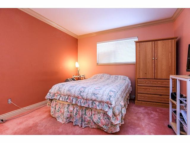 Photo 11: 6010 191A ST in Surrey: Cloverdale BC House for sale (Cloverdale)  : MLS® # F1421473