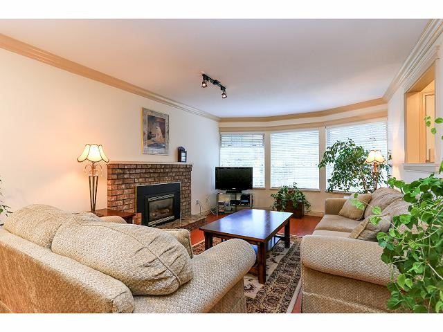 Photo 2: 6010 191A ST in Surrey: Cloverdale BC House for sale (Cloverdale)  : MLS® # F1421473
