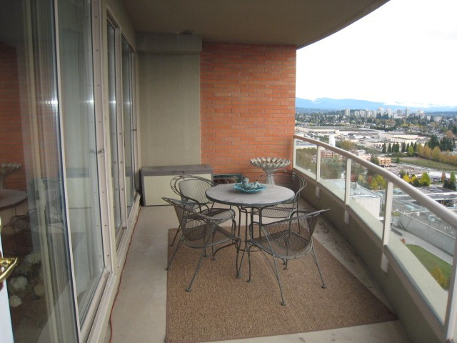 Photo 10: # 2401 6888 STATION HILL DR in Burnaby: South Slope Condo for sale (Burnaby South)  : MLS® # V1090475
