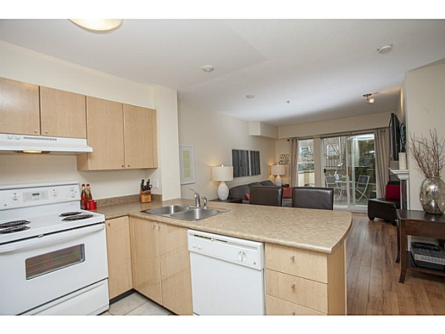 Photo 8: # 104 3278 HEATHER ST in Vancouver: Cambie Condo for sale (Vancouver West)  : MLS® # V1105651