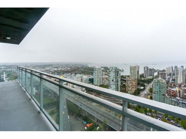Main Photo: 4202 1372 SEYMOUR STREET in Vancouver: Downtown VW Condo for sale (Vancouver West)  : MLS® # R2003473