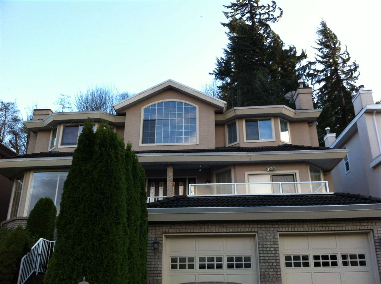 Main Photo: 20 SHORELINE CIRCLE in Port Moody: College Park PM House for sale : MLS® # R2016142