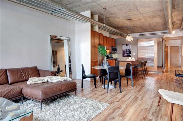 Photo 5: 261 King St E Unit #205 in Toronto: Moss Park Condo for sale (Toronto C08)  : MLS(r) # C3731808