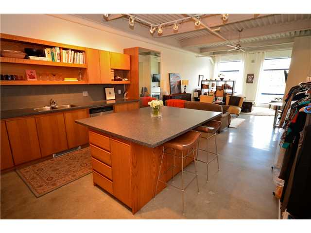 "Main Photo: 218 237 E 4TH Avenue in Vancouver: Mount Pleasant VE Condo for sale in ""ART WORKS"" (Vancouver East)  : MLS(r) # V935857"
