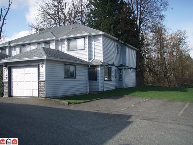 "Main Photo: 113 9507 208TH Street in Langley: Walnut Grove Townhouse for sale in ""YORKSON MANOR"" : MLS® # F1213120"