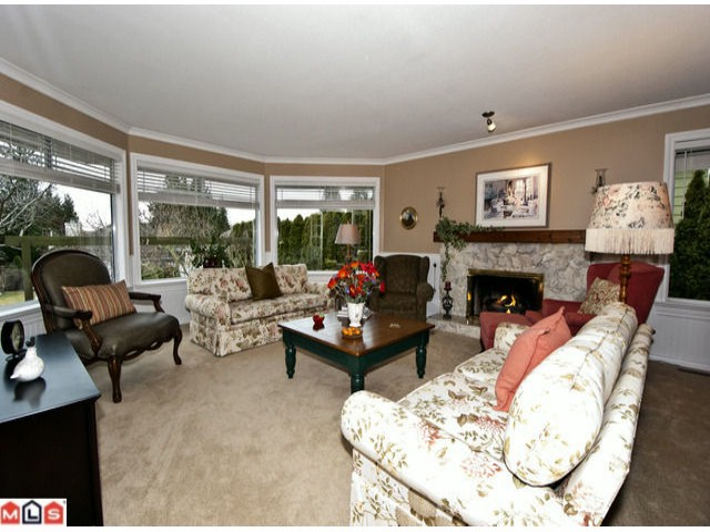 Photo 2: 13551 14A Avenue in Surrey: Crescent Bch Ocean Pk. House for sale (South Surrey White Rock)  : MLS® # F1214007