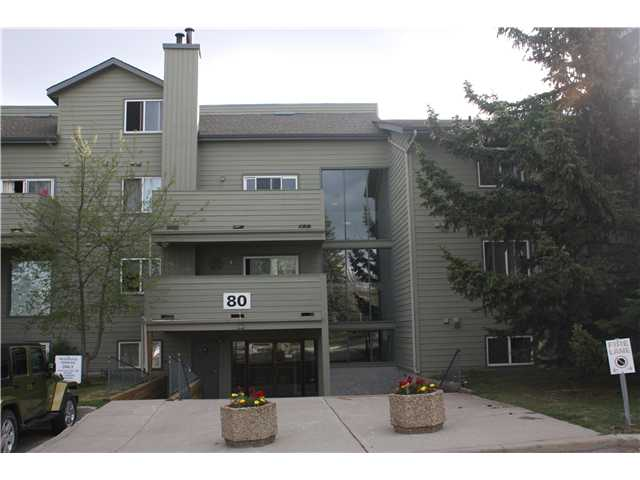 Main Photo: 3207 80 GLAMIS Drive SW in CALGARY: Glamorgan Condo for sale (Calgary)  : MLS® # C3568501