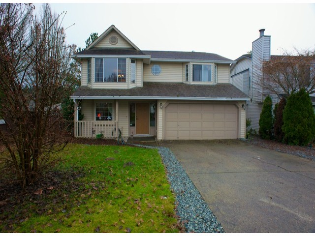 Main Photo: 21592 93B Avenue in Langley: Walnut Grove House for sale : MLS®# F1316180