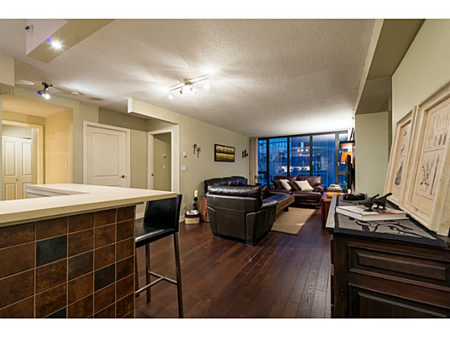 Photo 4: # 1807 950 CAMBIE ST in Vancouver: Yaletown Condo for sale (Vancouver West)  : MLS® # V1109233