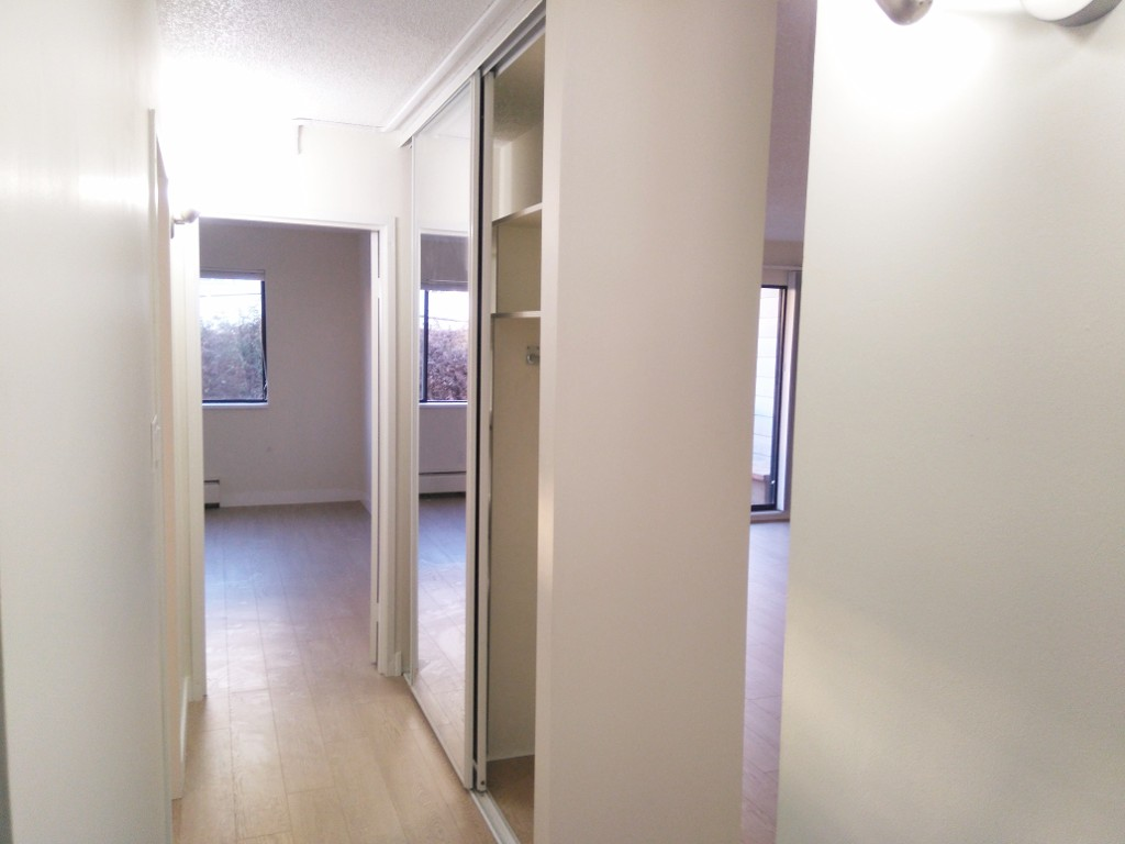 Photo 5: 216 340 W 3RD STREET in North Vancouver: Lower Lonsdale Condo for sale : MLS(r) # R2021116