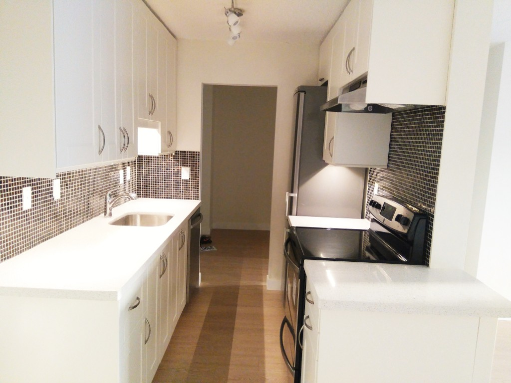 Main Photo: 216 340 W 3RD STREET in North Vancouver: Lower Lonsdale Condo for sale : MLS(r) # R2021116