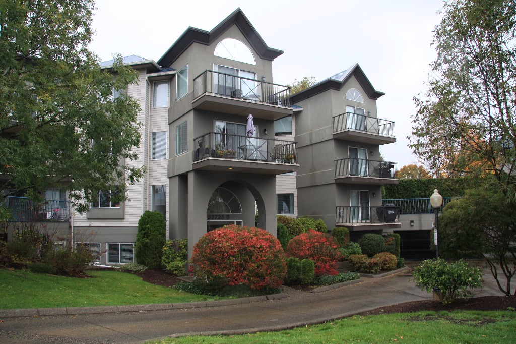 Main Photo: 314-32725 George Ferguson Way in Abbotsford: Abbotsford West Condo for sale : MLS(r) # R2116824