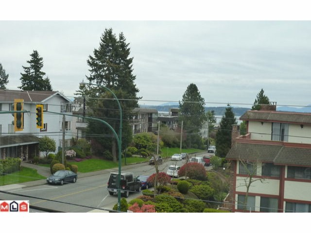 "Photo 7: 305 15035 THRIFT Avenue: White Rock Condo for sale in ""GROSVENOR COURT"" (South Surrey White Rock)  : MLS® # F1210353"
