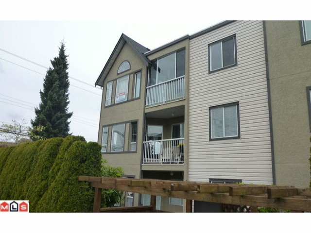 "Photo 9: 305 15035 THRIFT Avenue: White Rock Condo for sale in ""GROSVENOR COURT"" (South Surrey White Rock)  : MLS® # F1210353"