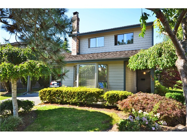 "Main Photo: 13 6245 SHERIDAN Road in Richmond: Woodwards Townhouse for sale in ""MAPLE TREE LANE"" : MLS®# V1018484"