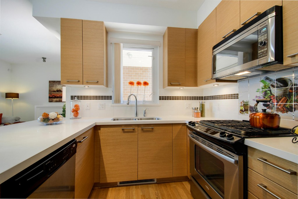 Photo 3: 7381 18TH ST in Burnaby: Edmonds BE Townhouse for sale (Burnaby East)  : MLS® # V1073475