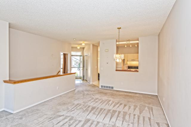 Photo 2: 139 HIDDEN VALLEY GREEN NW in CALGARY: Hidden Valley Residential Attached  (Calgary)  : MLS® # C3634306