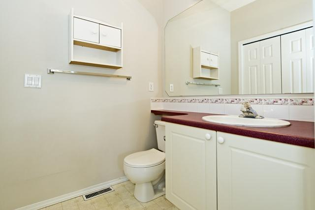 Photo 9: 139 HIDDEN VALLEY GREEN NW in CALGARY: Hidden Valley Residential Attached  (Calgary)  : MLS® # C3634306