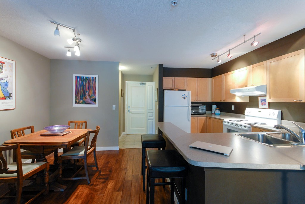 Photo 5: # 203 7383 GRIFFITHS DR in Burnaby: Highgate Condo for sale (Burnaby South)  : MLS® # V1084051