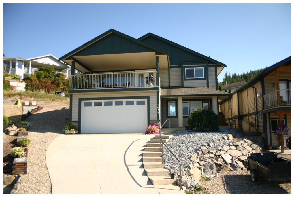 Main Photo: 1036 Southeast 14 Avenue in Salmon Arm: Orchard Ridge House for sale : MLS(r) # 10088818