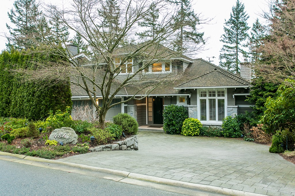 Main Photo: 4842 Vista Place in West Vancouver: Caulfield House for sale : MLS® # R2032436