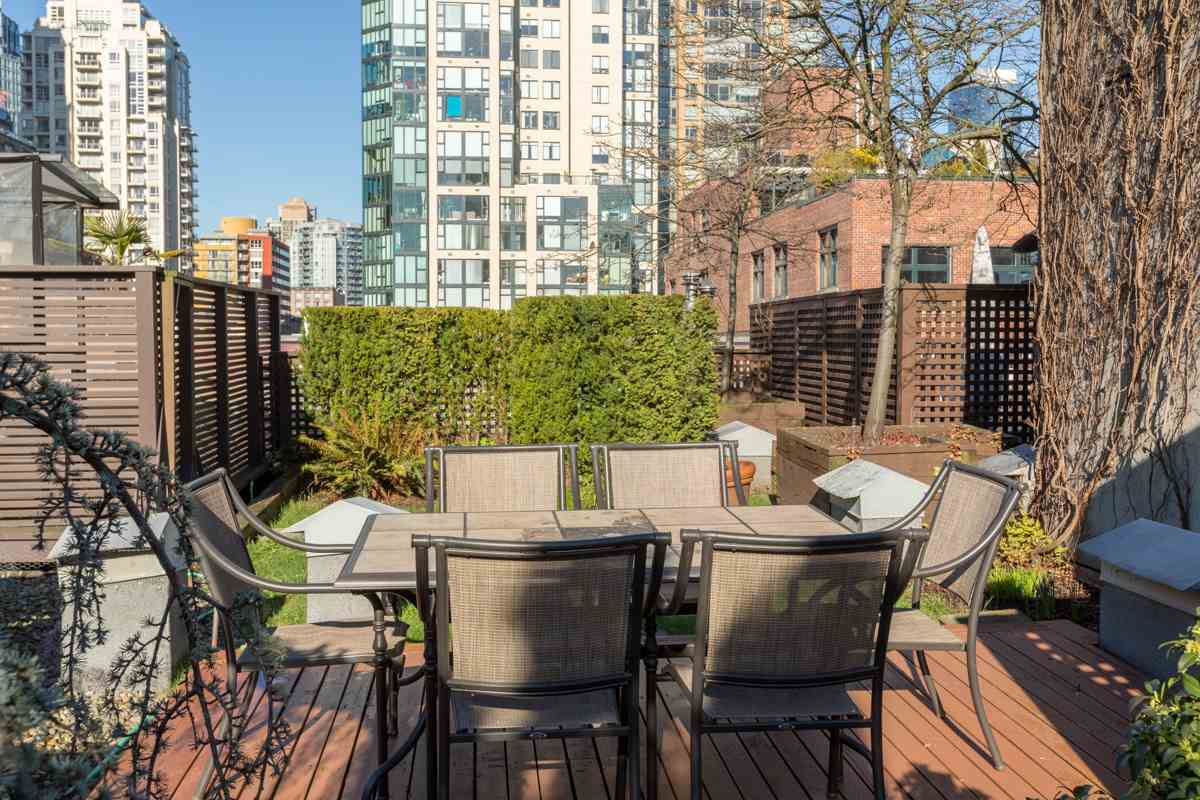 Photo 14: 201 1178 HAMILTON STREET in Vancouver: Yaletown Condo for sale (Vancouver West)  : MLS(r) # R2038460