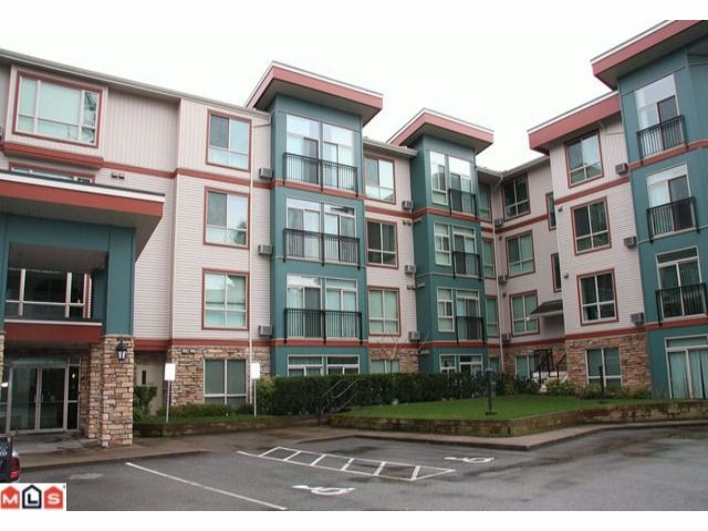 "Main Photo: 410 33485 S FRASER Way in Abbotsford: Central Abbotsford Condo for sale in ""Citadel Ridge"" : MLS(r) # F1206499"