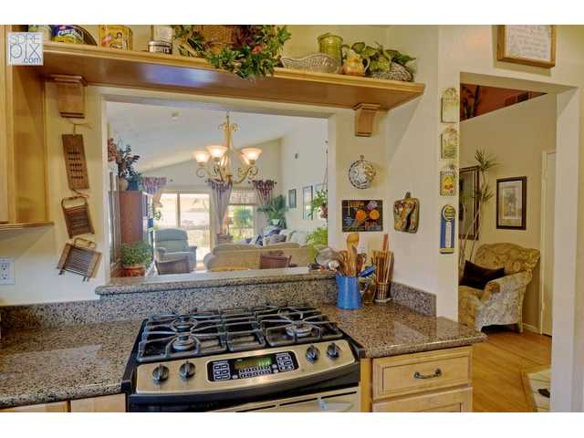 Photo 4: LA MESA House for sale : 3 bedrooms : 3851 King Street