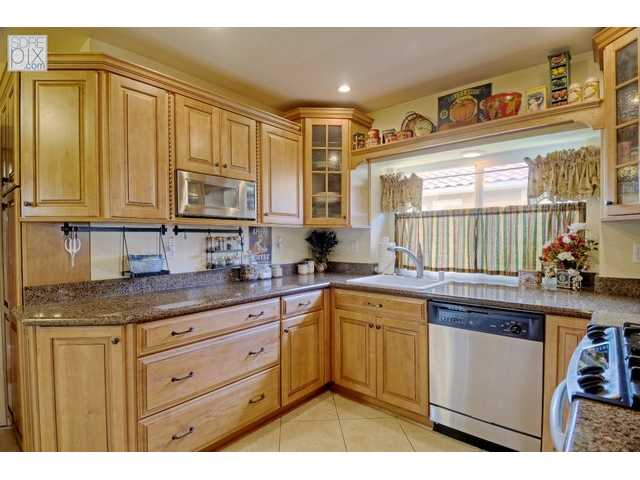 Photo 3: LA MESA House for sale : 3 bedrooms : 3851 King Street