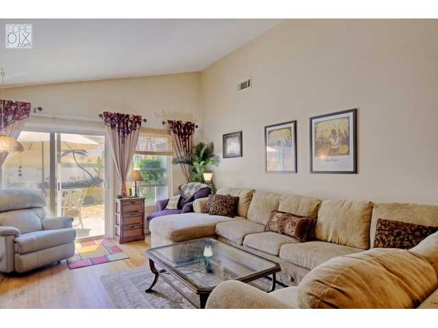 Photo 9: LA MESA House for sale : 3 bedrooms : 3851 King Street