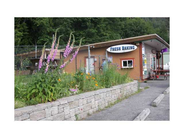 Photo 3: Photos: 12904 MADEIRA PARK Road in MADEIRA PARK: Pender Harbour Egmont Commercial for sale (Sunshine Coast)  : MLS®# V4037053