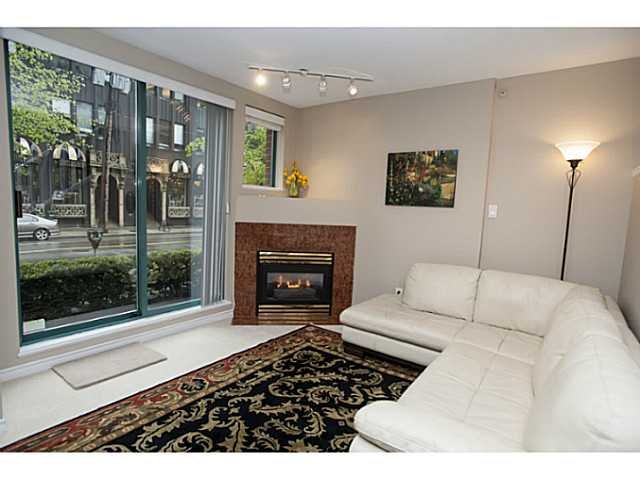 "Photo 2: 941 HOMER Street in Vancouver: Yaletown Townhouse for sale in ""Pinnacle"" (Vancouver West)  : MLS® # V1075845"
