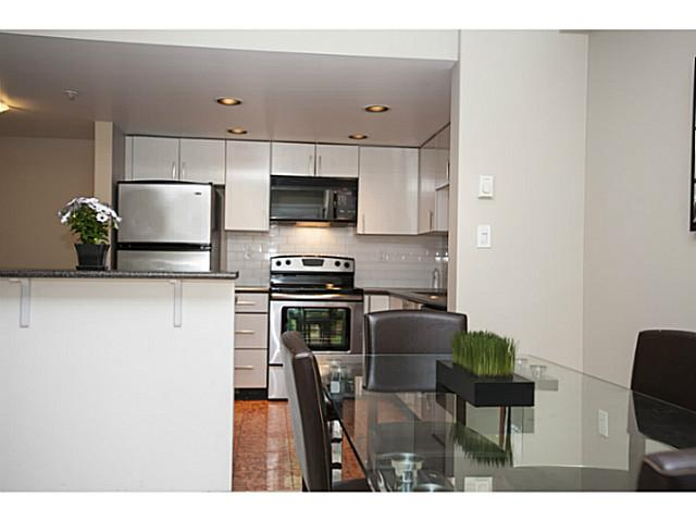 "Photo 5: 941 HOMER Street in Vancouver: Yaletown Townhouse for sale in ""Pinnacle"" (Vancouver West)  : MLS® # V1075845"