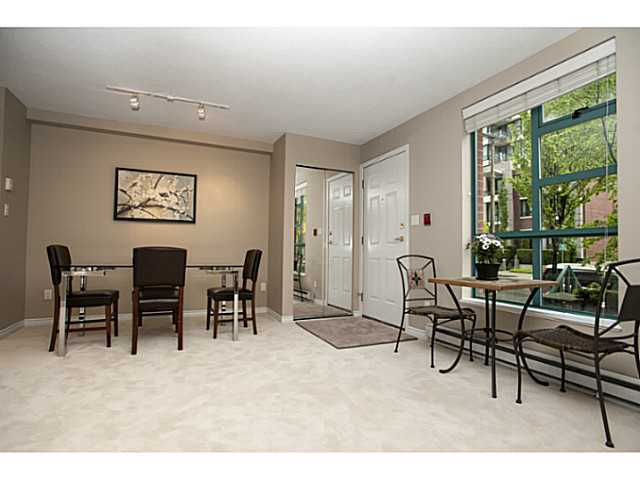"Photo 3: 941 HOMER Street in Vancouver: Yaletown Townhouse for sale in ""Pinnacle"" (Vancouver West)  : MLS® # V1075845"