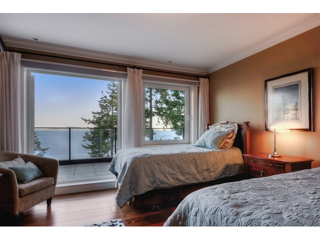 Photo 13: 12990 13TH AV in Surrey: Crescent Bch Ocean Pk. House for sale (South Surrey White Rock)  : MLS® # F1440679