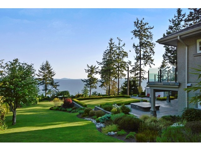 Photo 2: 12990 13TH AV in Surrey: Crescent Bch Ocean Pk. House for sale (South Surrey White Rock)  : MLS® # F1440679