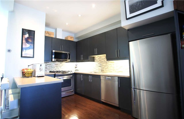 Photo 3: 200 Annette St Unit #7 in Toronto: High Park North Condo for sale (Toronto W02)  : MLS(r) # W3760047