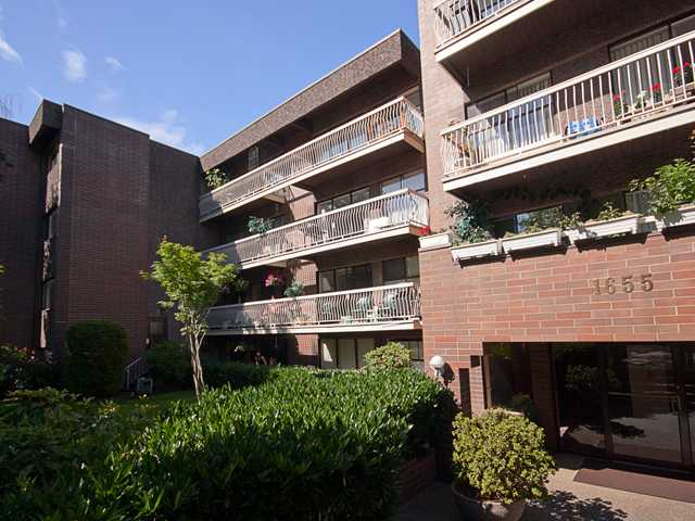 "Main Photo: 408 1655 NELSON Street in Vancouver: West End VW Condo for sale in ""HEMPSTEAD MANOR"" (Vancouver West)  : MLS® # V944845"
