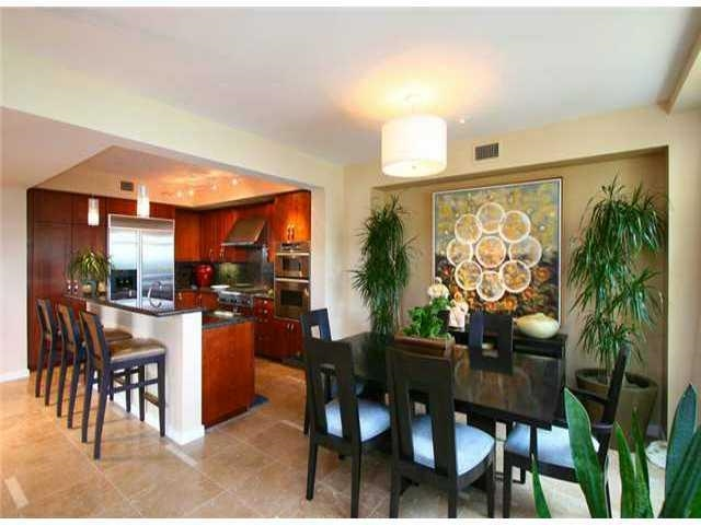 FEATURED LISTING: J103 5480 La Jolla La Jolla