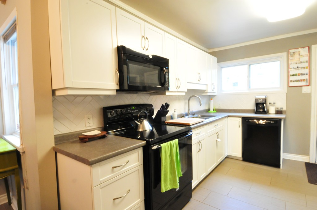 Photo 4: 43 Luxton Avenue - Gorgeous 4 Bedroom Home.