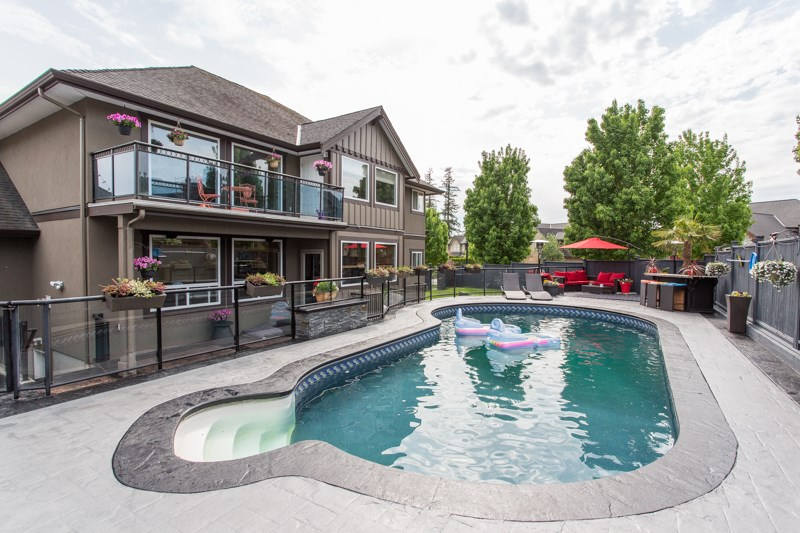 FEATURED LISTING: 24771 102A Avenue Maple Ridge