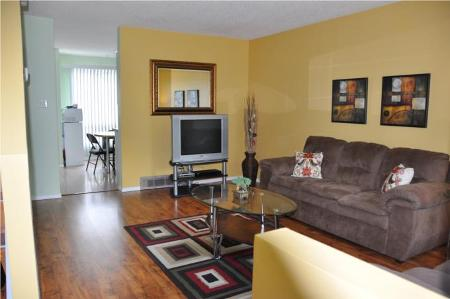 Photo 2: 1040 BEAUTY AVE.: Residential for sale (Canada)  : MLS(r) # 1011042